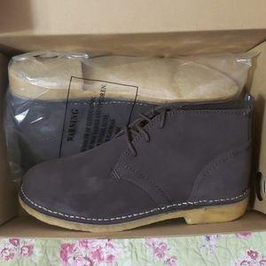 L.L. BEAN Mens Chocolate Classic Chukka Boot 9